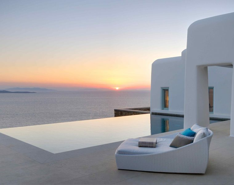 In love with the mediterranean for Cloud 9 villas